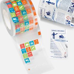 Vista de varias etiquetas adhesivas decorativas 3M fabricadas en la planta de impresión de Fustier